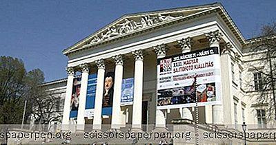 Авантура - Ствари Које Треба Урадити У Мађарској: Мађарски Национални Музеј