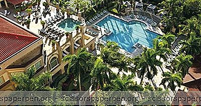 Απολαύστε Τρία Μίλια Αμμώδη Παραλία Στο Ritz-Carlton, Στη Νάπολη