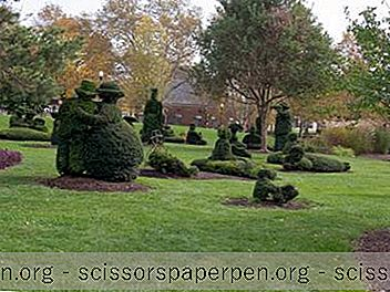 Columbus, Ohio: Topiary Park