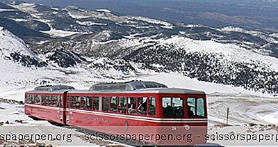 Attracties - Dingen Om Te Doen In Colorado: Broadmoor Pikes Peak Cog Railway In In Manitou Springs
