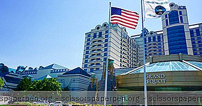Connecticut Resorts: Grand Pequot Tower At Foxwoods Resort Casino