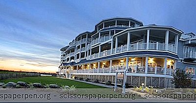 Connecticut Resorts: Madison Beach Hotel
