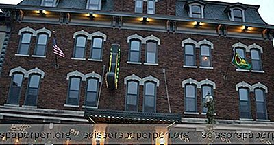 Davenport, Ia Wochenendreise: The Blackhawk Hotel