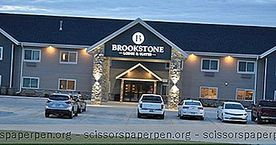 Liburan Akhir Pekan Di Iowa: Brookstone Lodge And Suites - Algona
