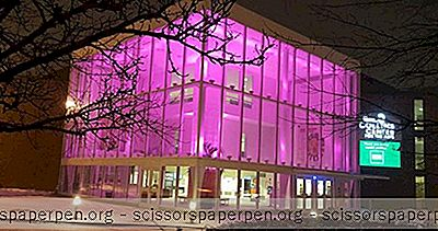 Things Að Gera Maine: Collins Center For The Arts
