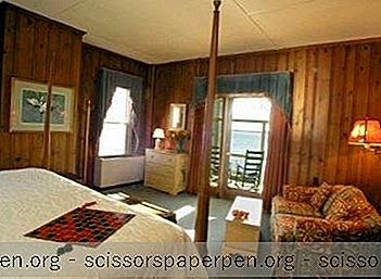 Maryland Getaways: Sandaway Waterfront Lodging