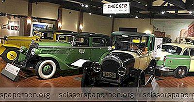Атракције Мицхиган: Музеј Аутомобила Гилморе У Хицкори Цорнерсима