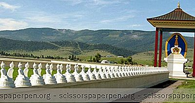 Choses À Faire Dans Le Montana: Ewam Et Le Jardin De Mille Bouddhas