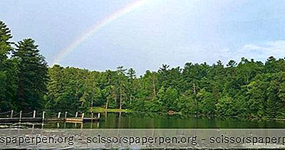 Escapades NC: Highland Lake Inn And Resort, Flat Rock