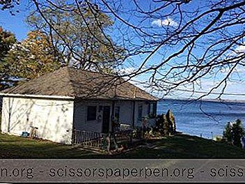 บ้านสะวันนาไวน์คันทรีอินน์แอนด์คอทเทจส์บนทะเลสาบเซเนกานิวยอร์ก