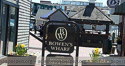 Hvað Er Hægt Að Gera Í Newport, Rhode Island: Bowen'S Wharf