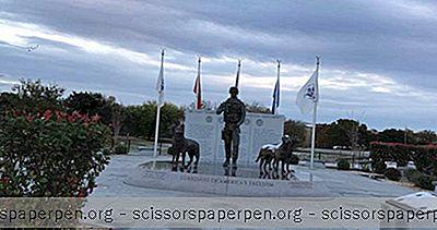 Národná Pamiatka Tímov Vojenských Pracovných Psov