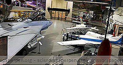 Co Robić W Oklahomie: Muzeum I Planetarium Tulsa Air And Space