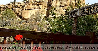 Utah Escapades: Slot Canyons Inn Et North Creek Grill À Escalante