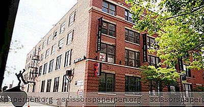 Parhaat Chicagon Hääpaikat: Zhou B Art Center