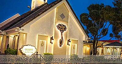 Trouwlocaties In Las Vegas: Chapel Of The Flowers